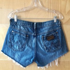 Wrangler | Vintage Cutoff High Waisted Jean Shorts